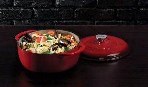Lodge-6-Cast-Iron-Dutch-Oven