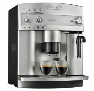 De'Longhi-ESAM3300-Coffee-Machine